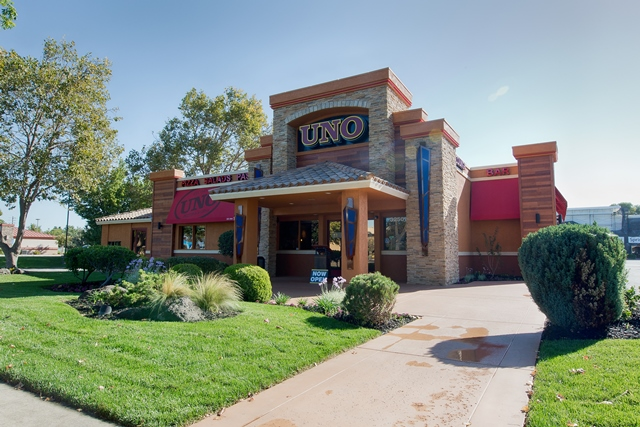 Information about possible store closing and store hours for: Uno Chicago Grill in Modesto, California,